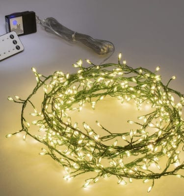 Green wire cluster lights white